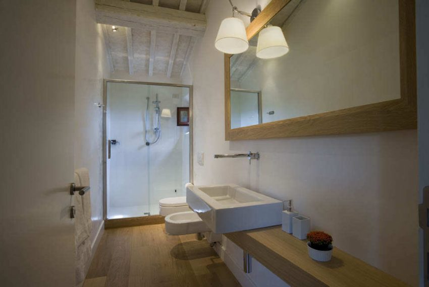 bathroom-room-6-