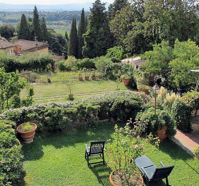 Villa_rondinelli_giardino_01