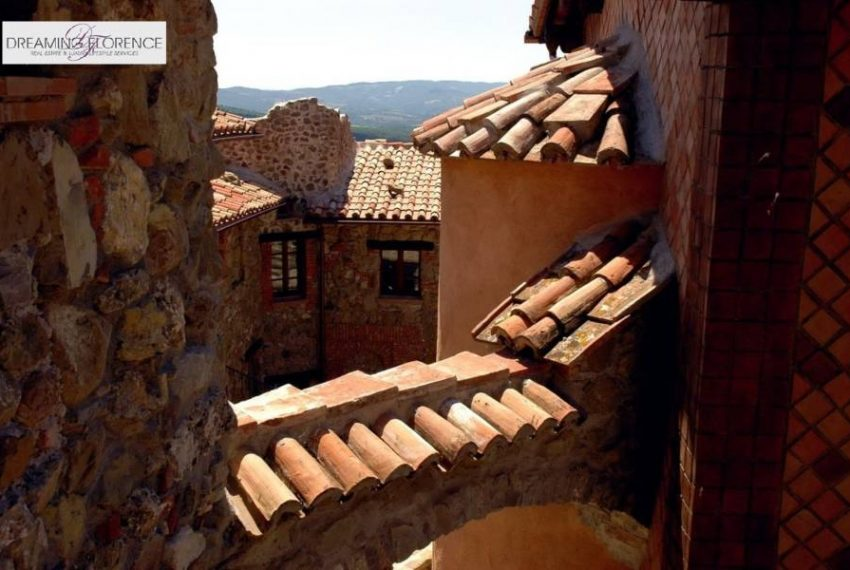 umbrian-village-view-on.the-roofs-5109