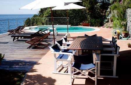 ville-con-piscina-sul-mare-toscana1
