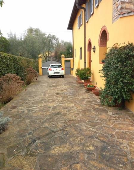 A beautiful Villa on the Florence hills (10)